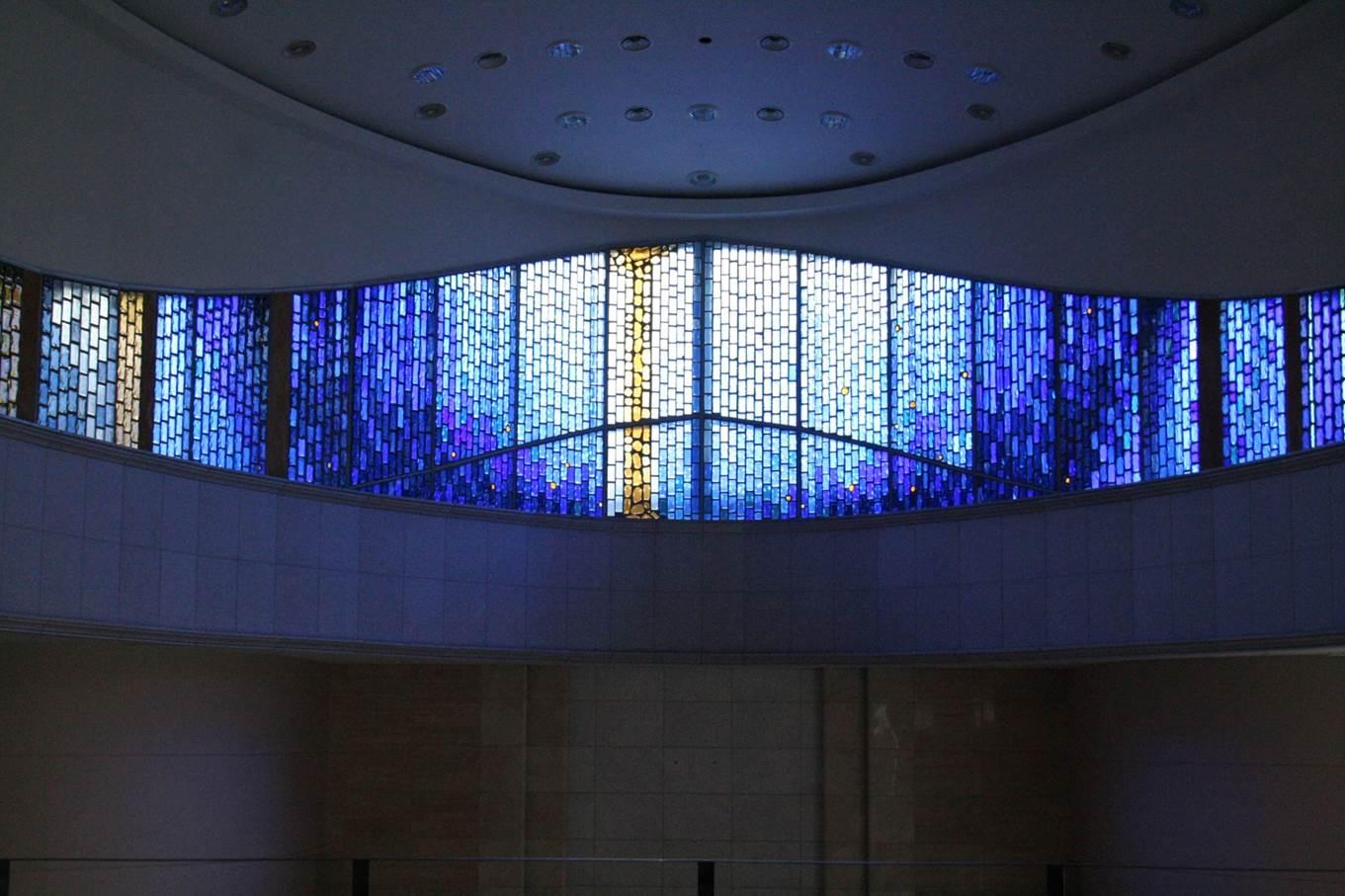 손승희, 성복동 성당 신앙의 씨앗, antique glass, slab glass, 2010